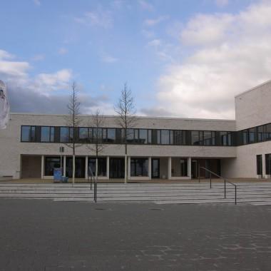 Riedberg Gymnasium / Frankfurt am Main